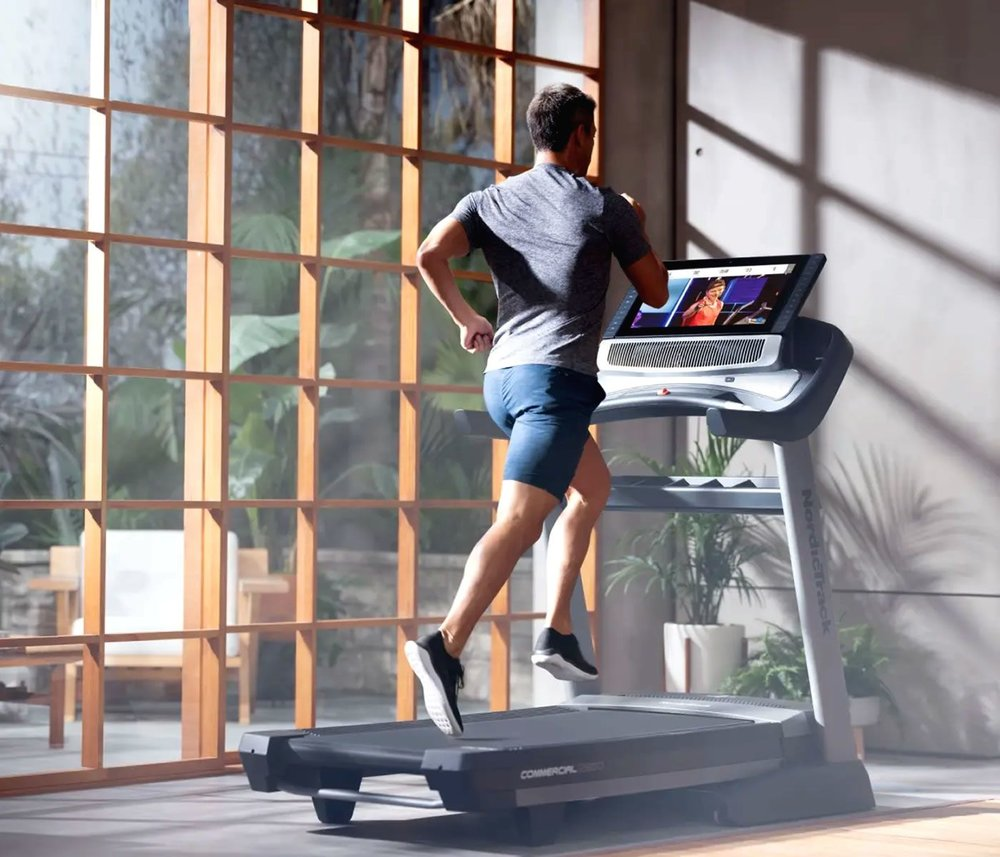 nordictrack-commercial-2950-treadmill-in-action